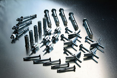 Shiny, metal anchors in various sizes